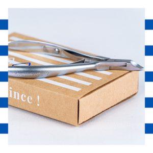 La pince Bleucocotte est légère, précise et efficace pour un résultat professionnel.